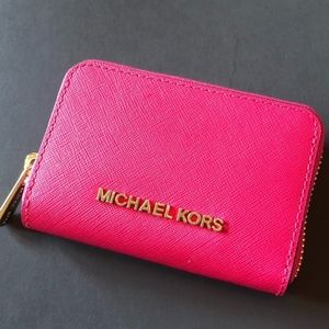 NWT! Michael Kors Jet Set Travel Zip Small Wallet